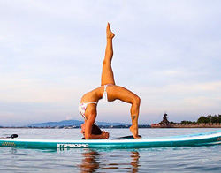 Tours & Classes | SUP Yoga Class | Mission Bay Sportcenter