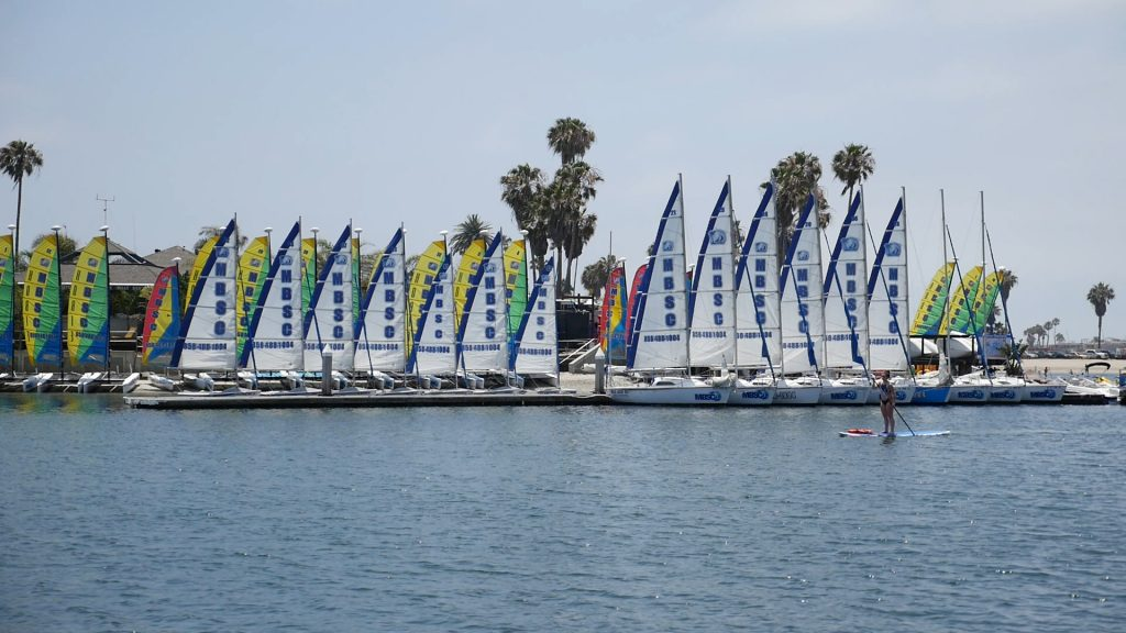 Catalina 16.5 sailboat rental at Mission Bay Sportcenter